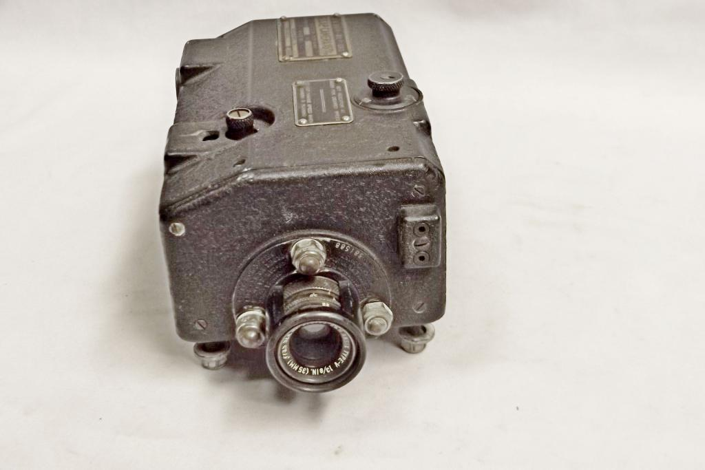 Bell&Howell G.S.A.P. Camera  U.S.Navy 16mm-es sz.: 6908, Ansix Type-V 13/8in. (3,5/35mm), objektív sz.:381588